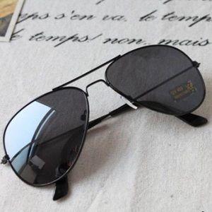 ✨NEW✨🖤Classic Black Aviator Sunnies 🖤